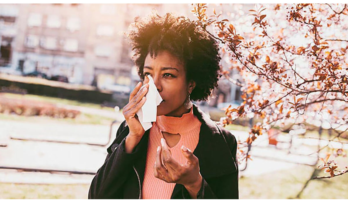 Women With Kleenex Wiping Tear From Fall Allergies Gatewayextension